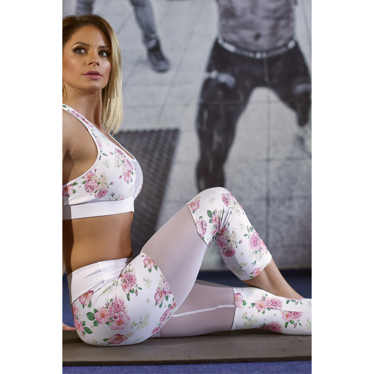 Rózsás tüll betétes női fitness capri nadrág - CCK - COCKTAIL SPORT
