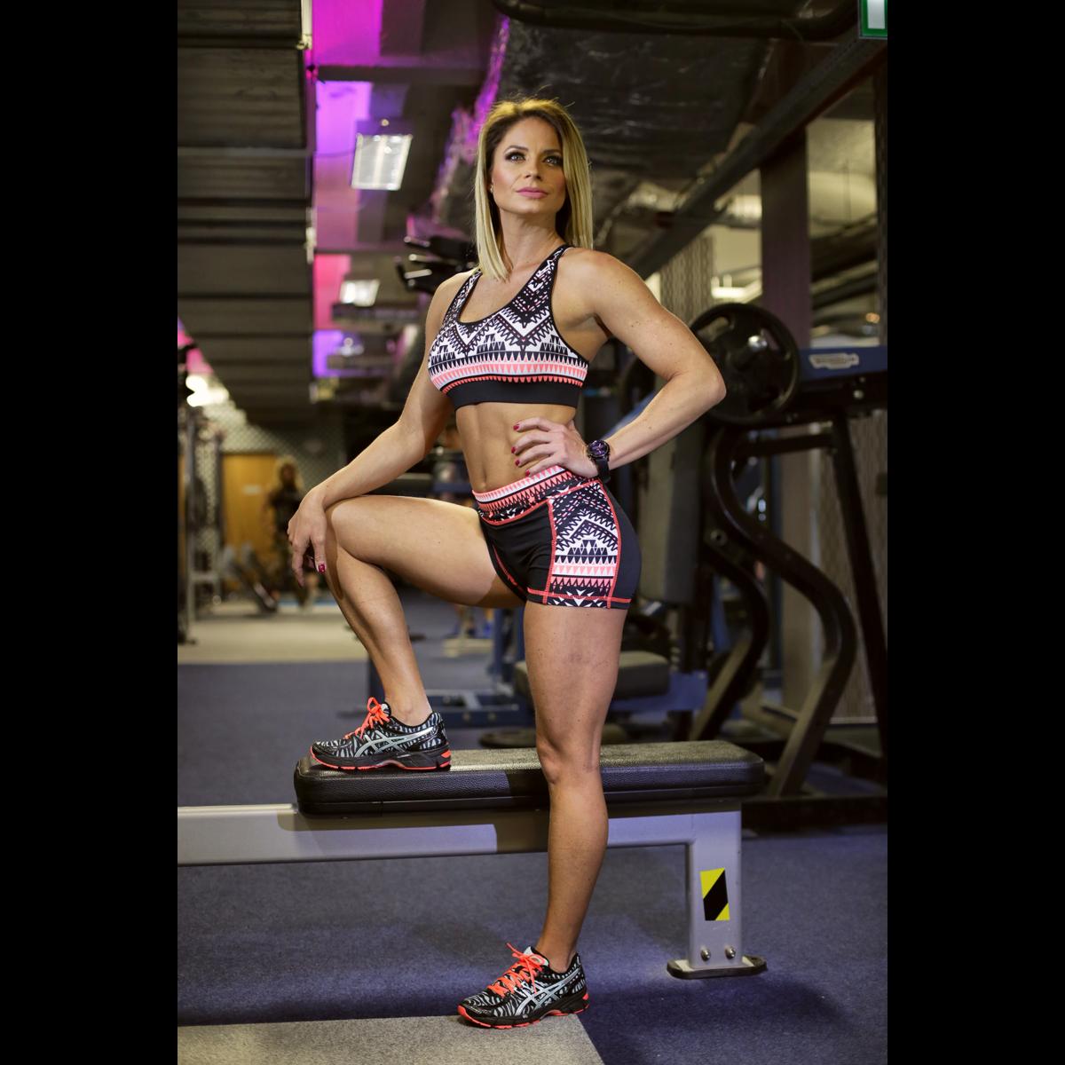 Indiana mintás női fitness szett, rövid nadrág, top - CCK - COCKTAIL SPORT