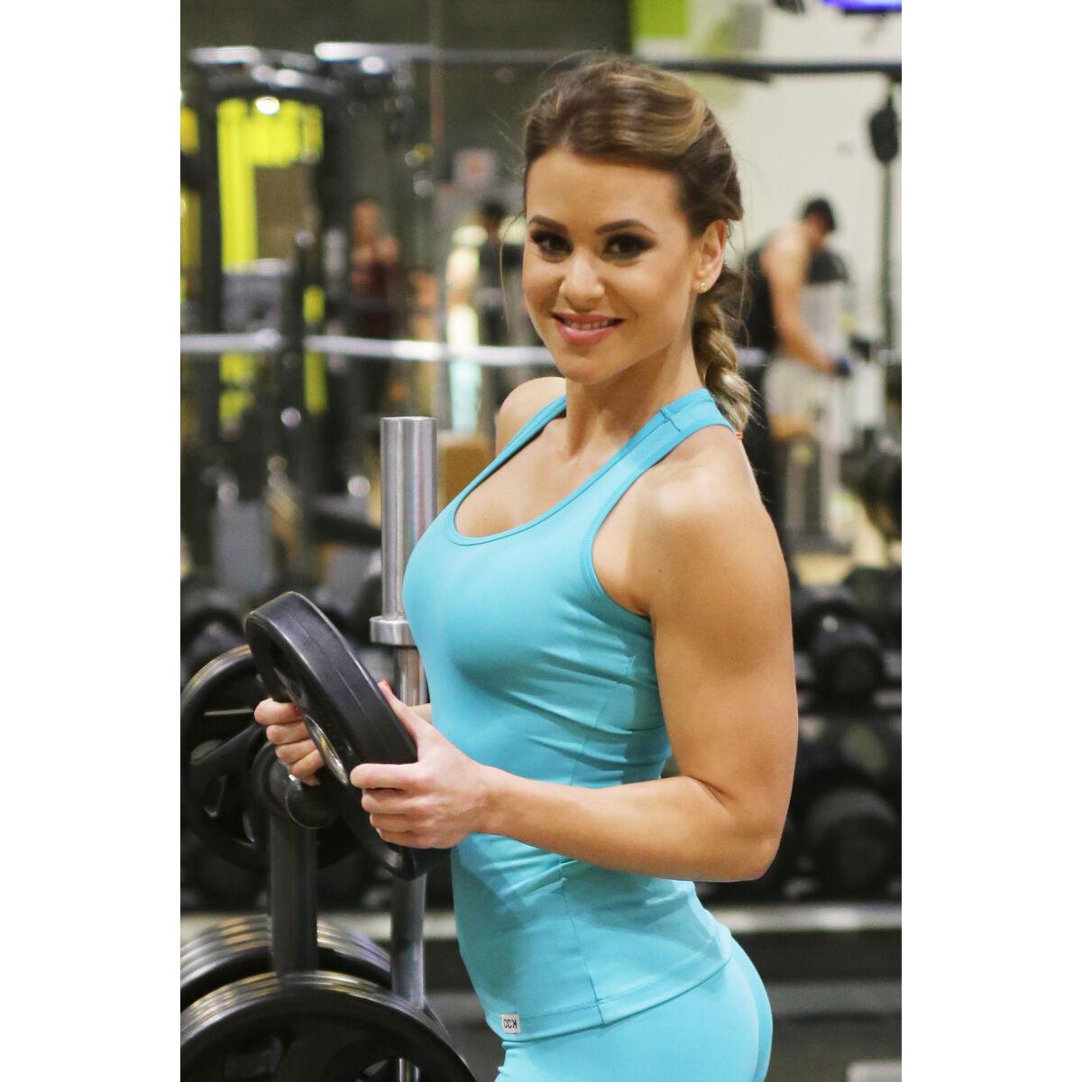 Női basic fitness atléta, menta