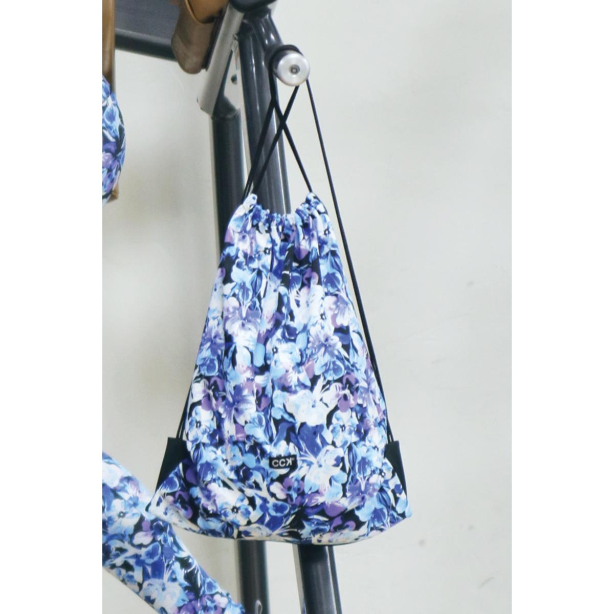Kék virágos tornazsák