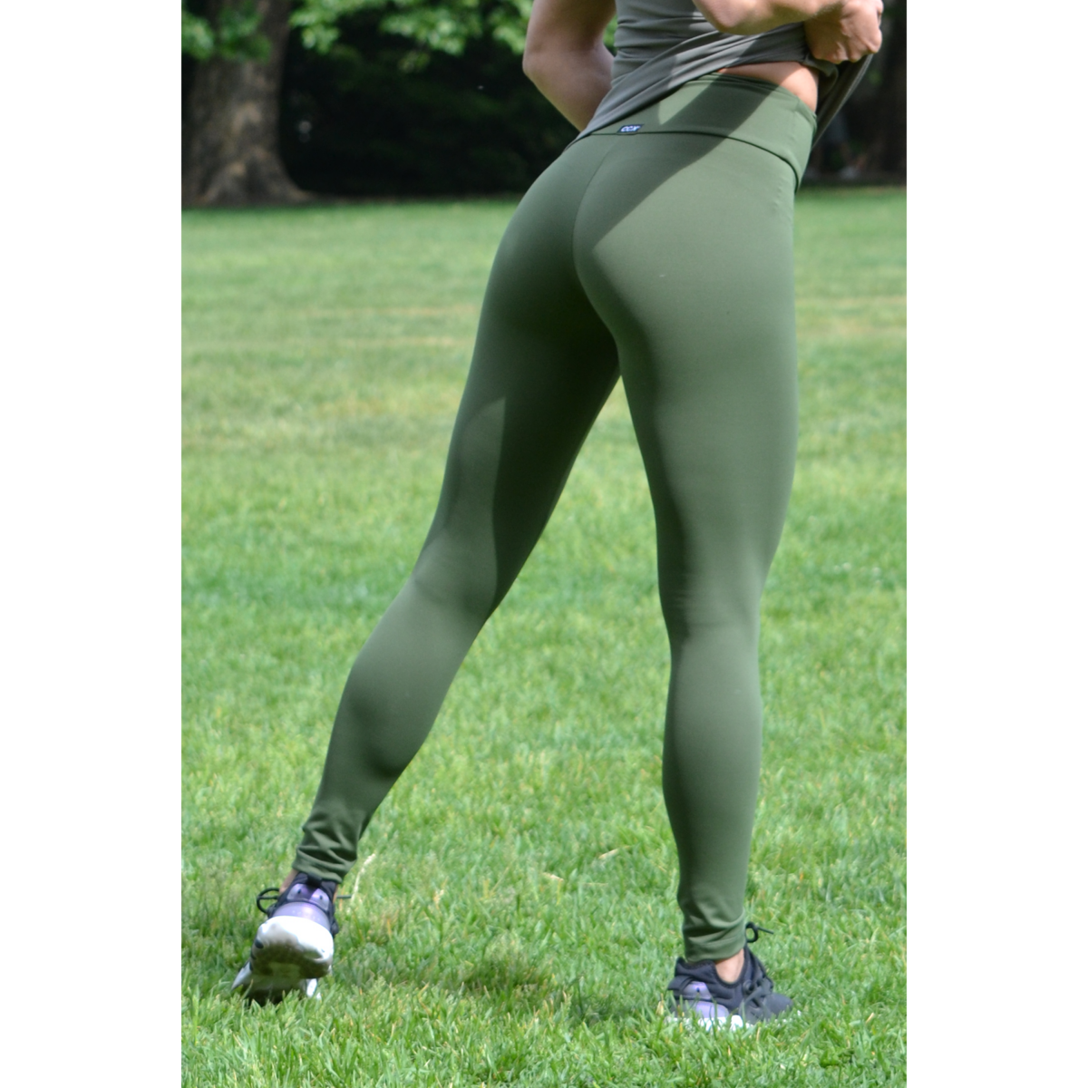 Khakizöld basic magasderekú női fitness sport leggings