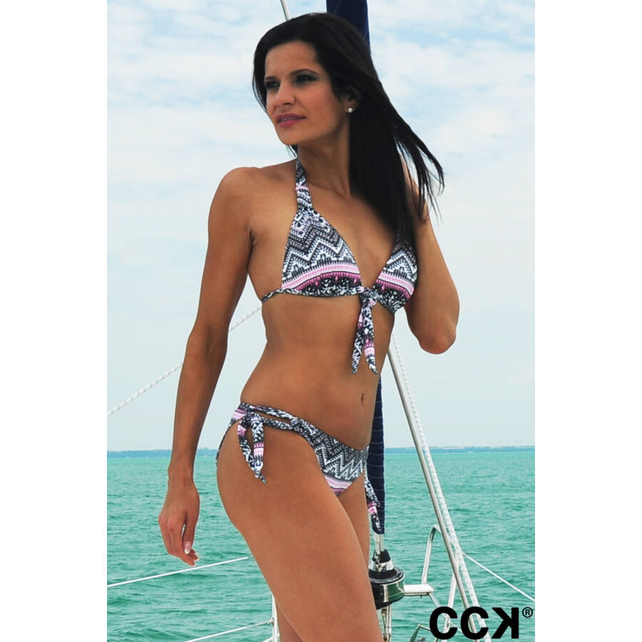 Mintás, push up háromszög  formakosaras bikini, füles oldaltkötős bugyival.